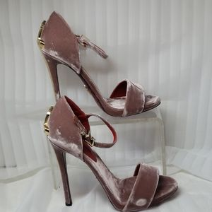 Cesare Paciotti size 38.5 Velvet Heels w/ Daggers